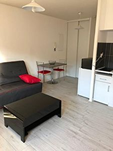 Studio MEUBLE en Centre ville